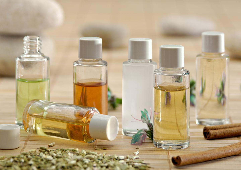 DIY : Démaquillants naturels pour visage & yeux DIY-démaquillant-naturel-biologique-aroma-zone-mcommemademoiselle-huile-végétale-visage-maquillage