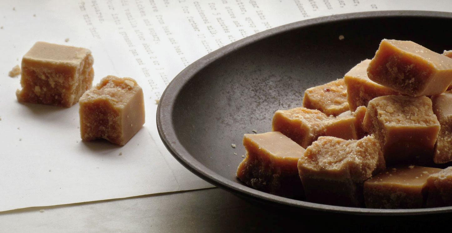 Recette facile du caramel fudge au beurre salé caramel-fudge-fait-maison-recette-facile-caramel-mous-huile-coco-mcommemlle-blog